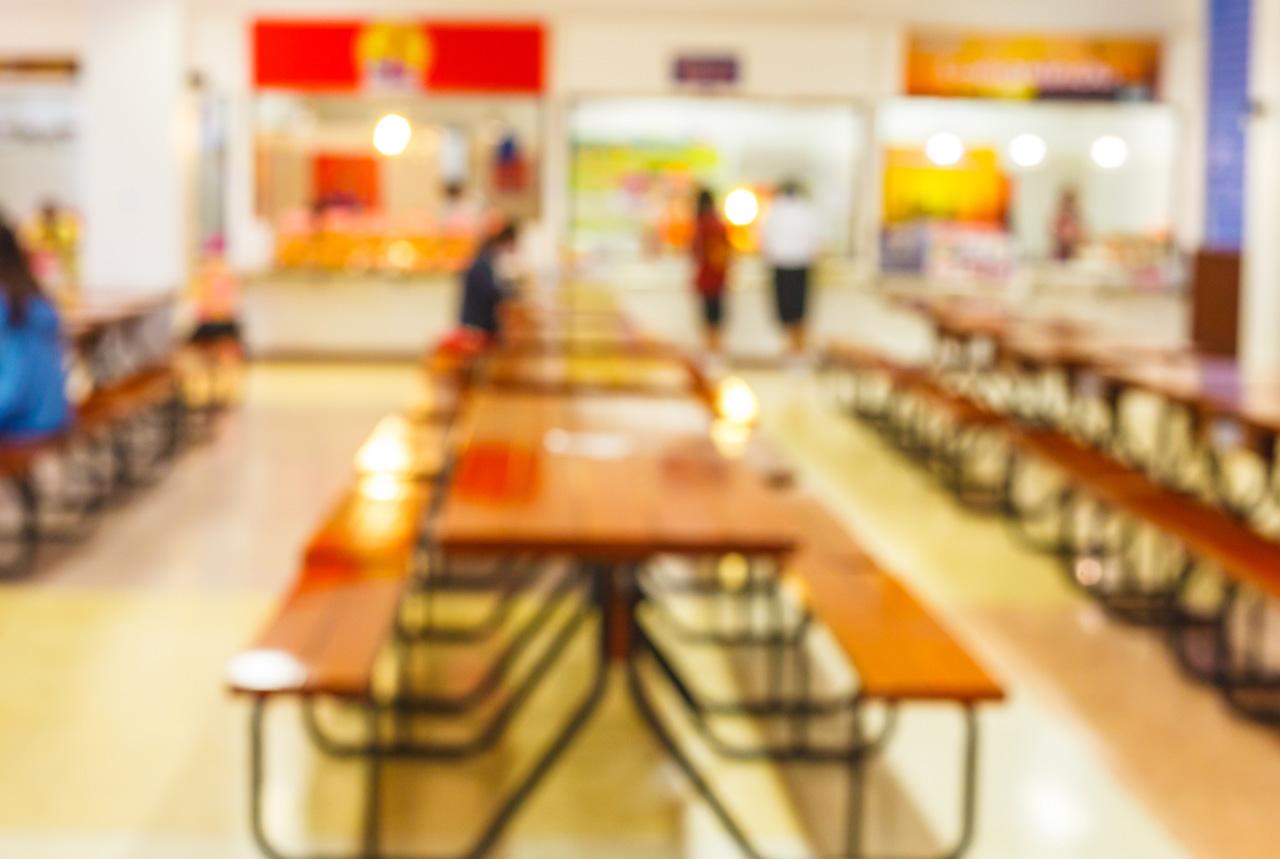 学校の食堂