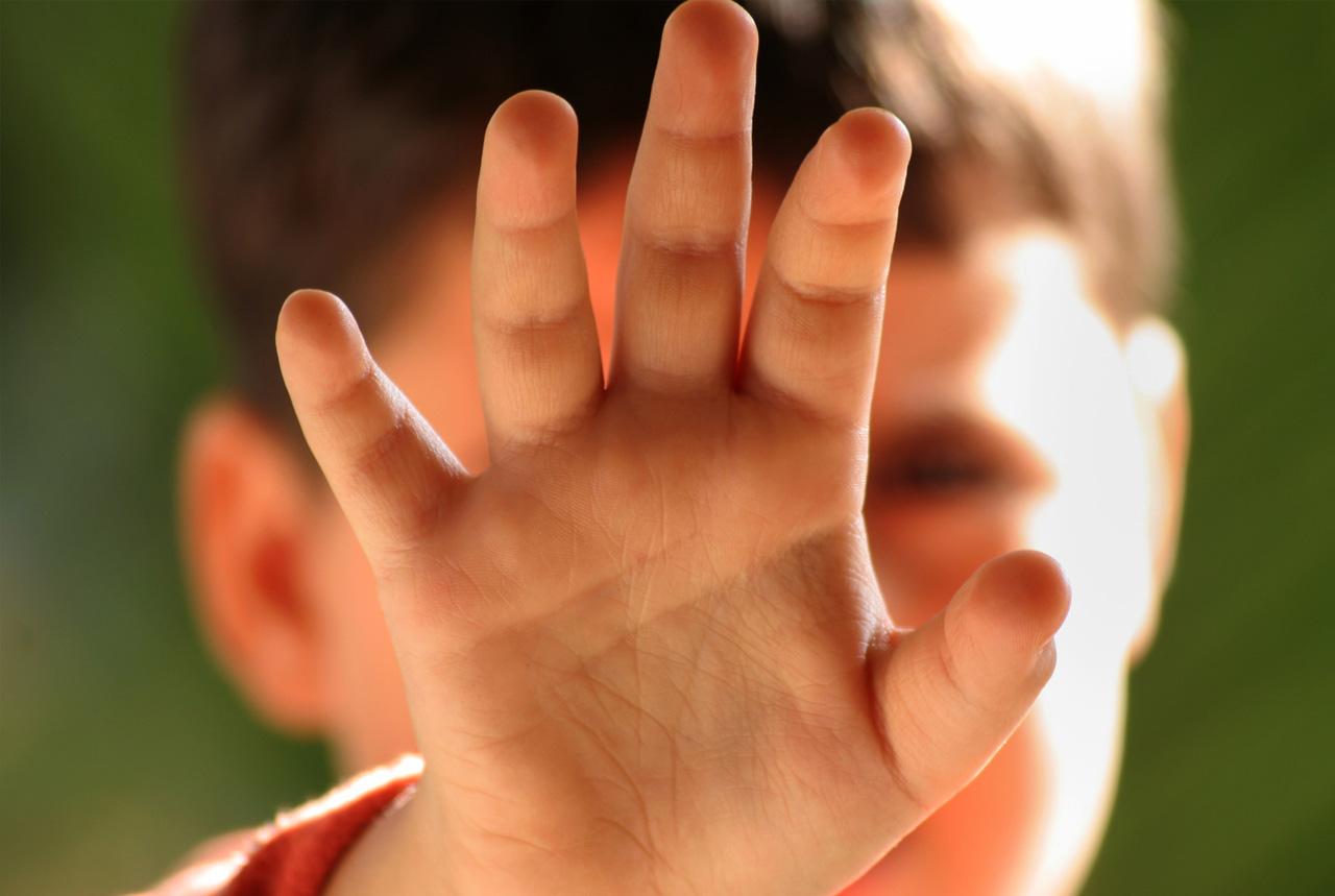 <三重県>虐待サインの気づきリスト ネットで公開し早期発見へ