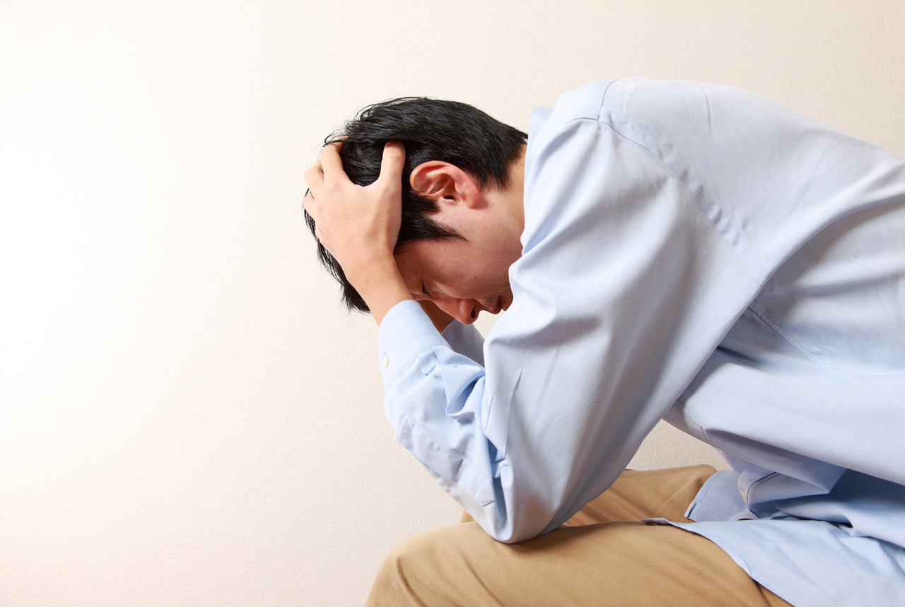 心配な先生の「心の健康」 精神疾患で休職、5,000人超が続く
