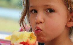 リンゴを食べて喉がかゆくなったら…食物アレルギーを疑え