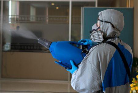次亜塩素酸水の噴霧器、撤去相次ぐ コロナ消毒の効果巡り情報錯綜