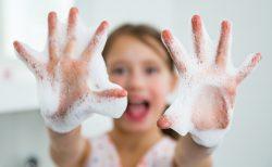 新型コロナ対策 手の洗いすぎはブロック機能を低下させる